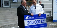 Firma Chládek a Tintěra Havlíčkův Brod a.s. věnovala finanční dar na zakoupení zdroje stlačeného vzduchu pro vzduchové vrtací operační systémy pro ortopedické oddělení v hodnotě 200 tis. Kč